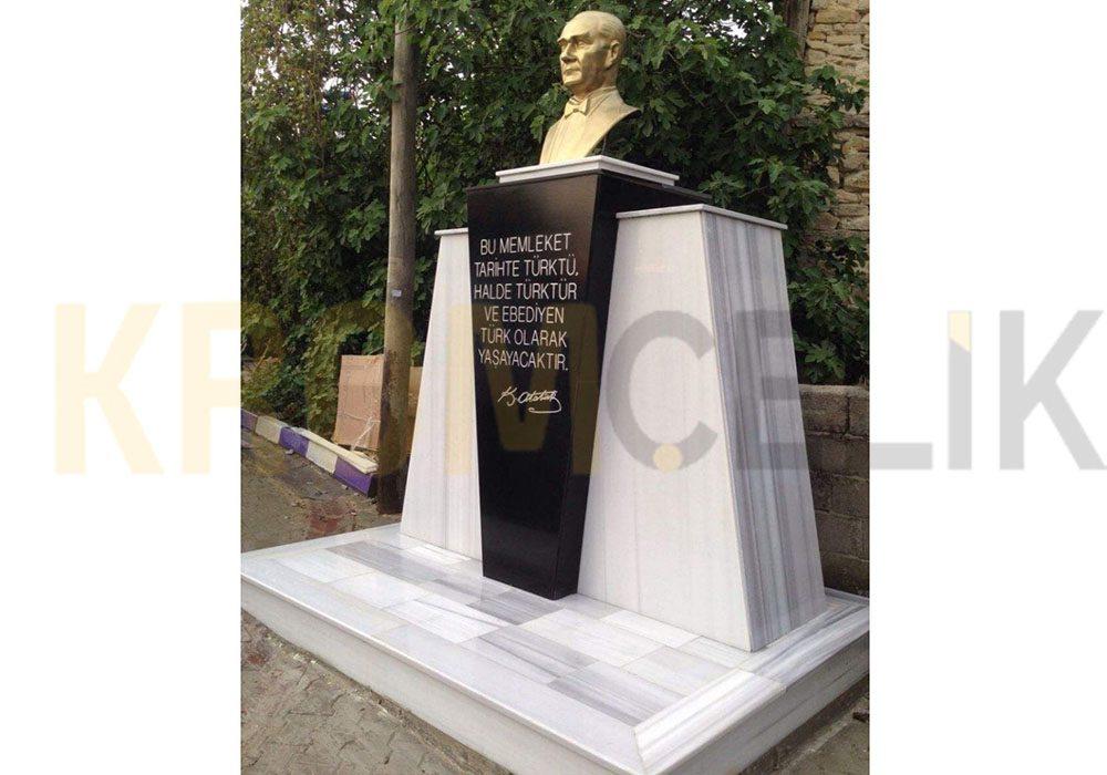 Atatürk Büstü Kaidesi 05