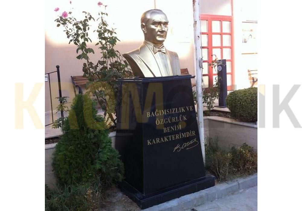 Atatürk Büstü Kaidesi 06